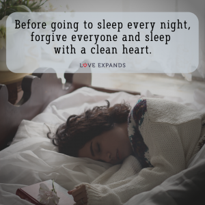 """Picture quote of a woman in bed falling asleep with her diary at hand: """"Before going to sleep every night, forgive everyone and sleep with a clean heart."""""""