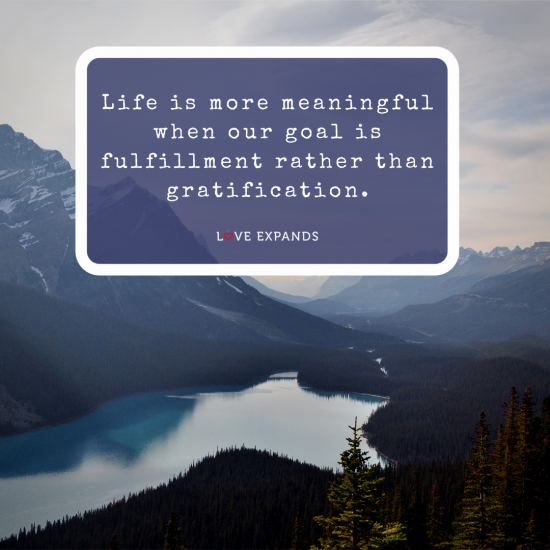 A picture quote about life and gratitude with a lake, and moutains as the backdrop.