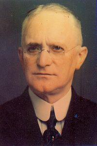 Best quotes by George Eastman