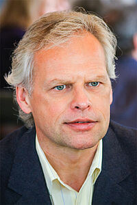 Best quotes by John de Ruiter