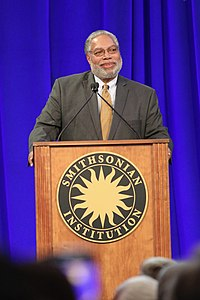Best quotes by Lonnie Bunch