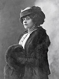 Best quotes by Sidonie Gabrielle Colette