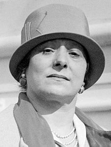 Best quotes by Helena Rubinstein
