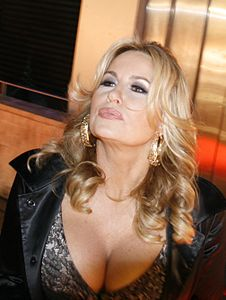 Best quotes by Jennifer Coolidge