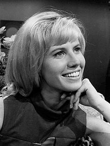 Best quotes by Leslie Charleson
