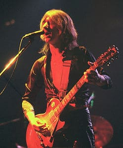 Best quotes by Mick Ralphs