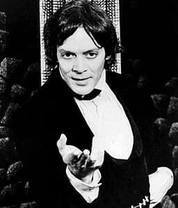 Best quotes by Raul Julia
