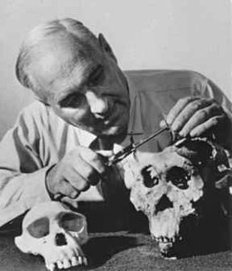 Best quotes by Louis Leakey