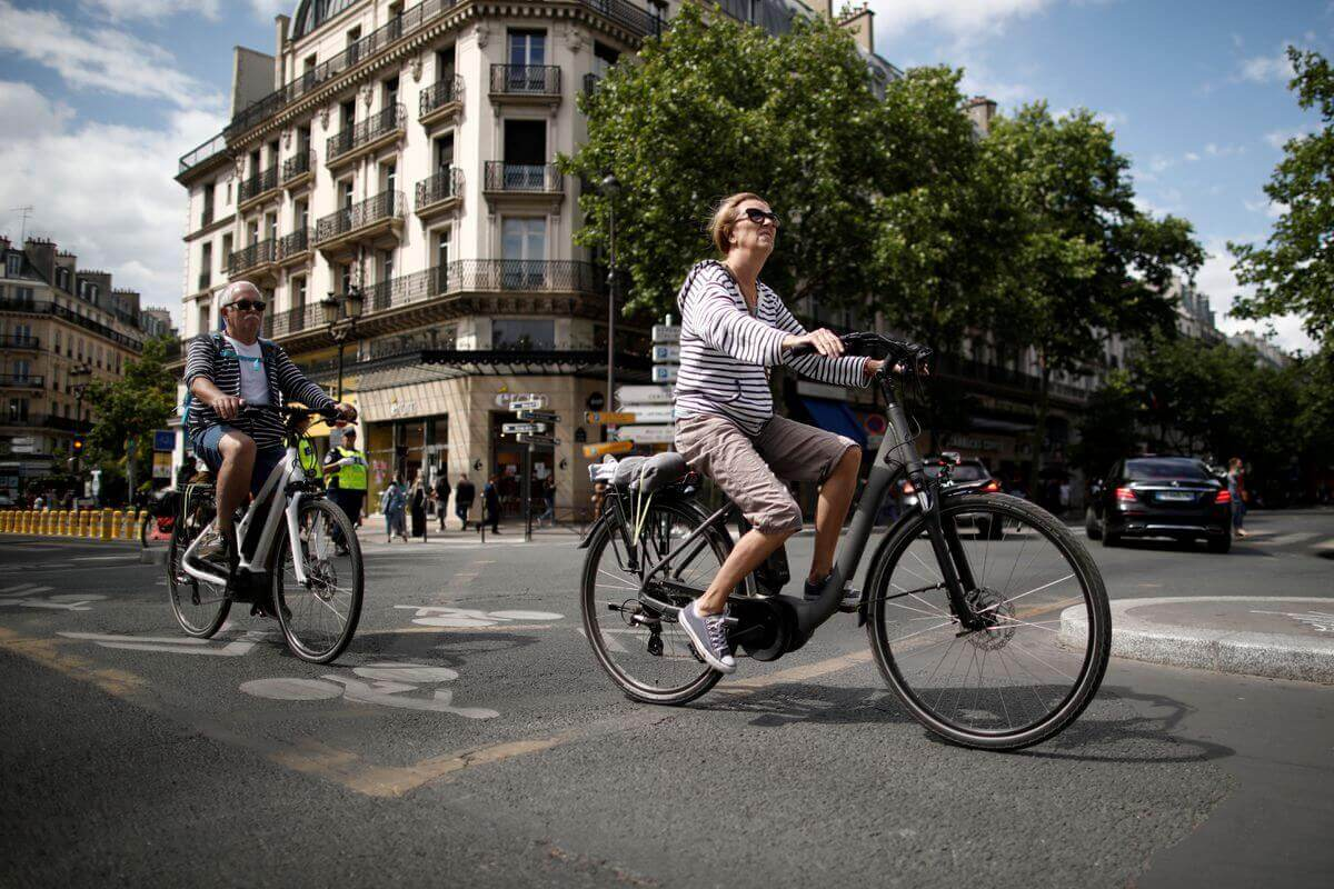 Trading clunkers for electric bikes: France moves to offer financial incentive